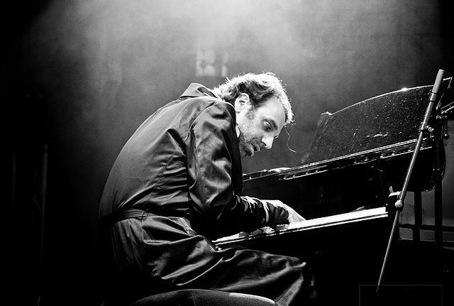 黙ってピアノを弾いてくれ/Shut Up and Play the Piano