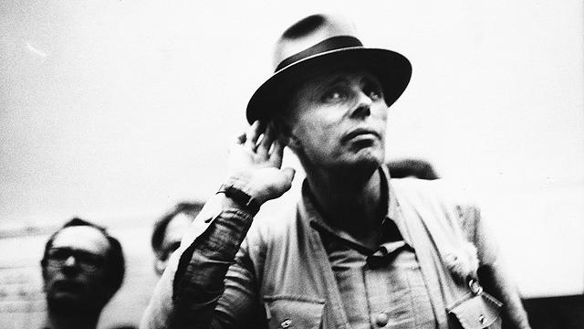 ヨーゼフ・ボイスは挑発する/Beuys